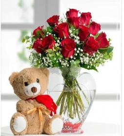 kalpli vazoda güller & ayıcık