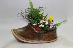 ayakkabı şeklinde ithal çiçek tanzimi