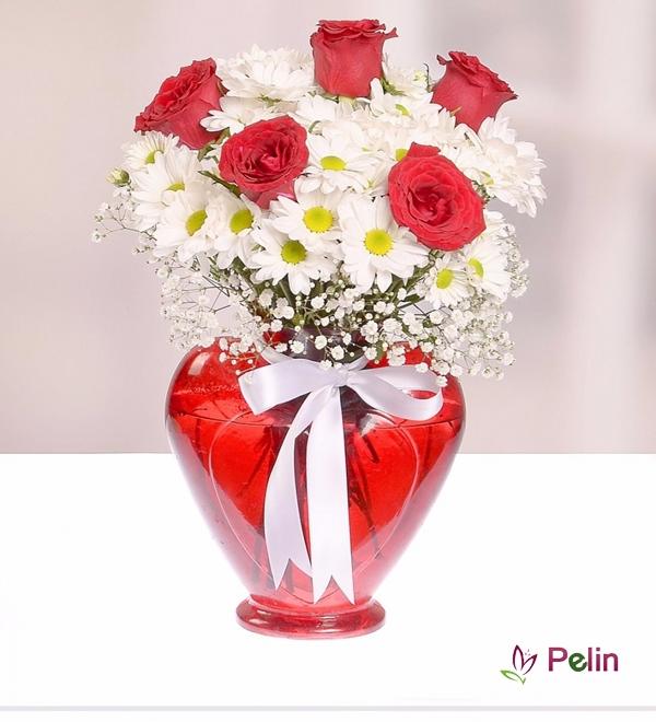 Kalpte Papatya ve Güller
