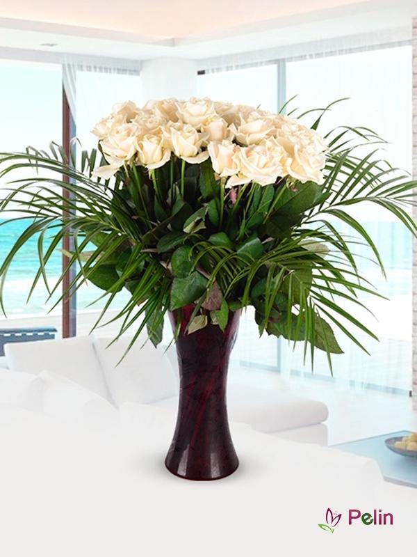 Zarafetin Simgesi Beyaz Güller